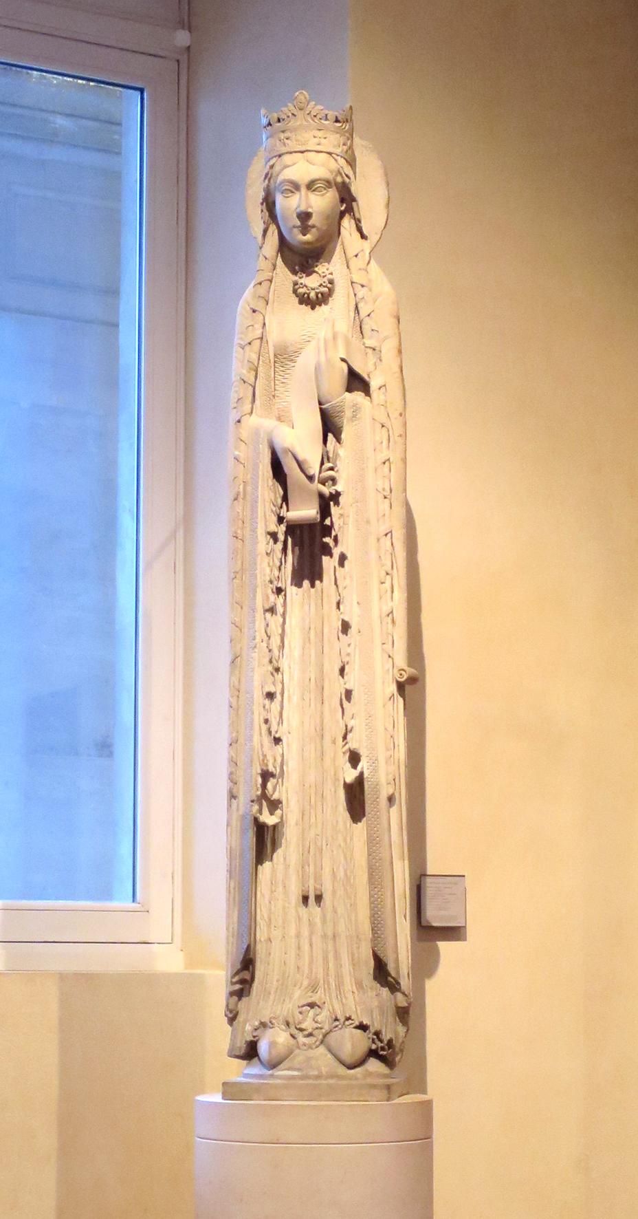 Statue colomme de la Reine de Saba